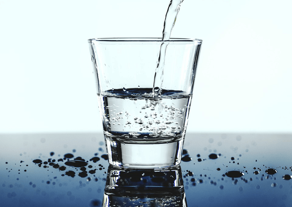 clean mineral water